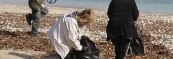 Beach cleaning at Vori bay